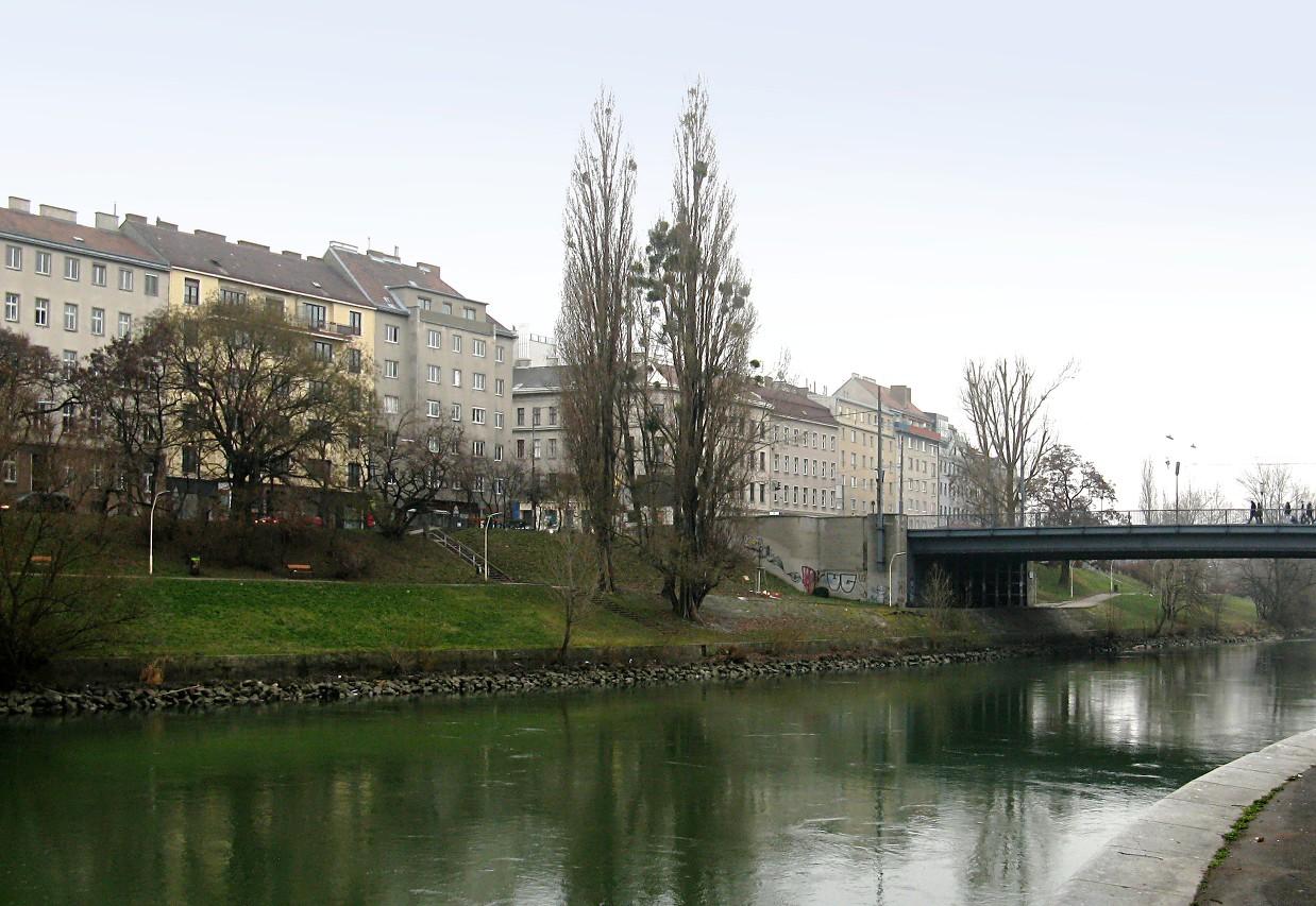 Hundertwasser Promenade, Donaukanal, Vienna