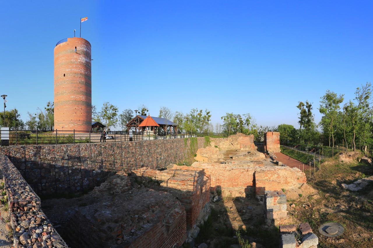 Grudziądz castle ruins