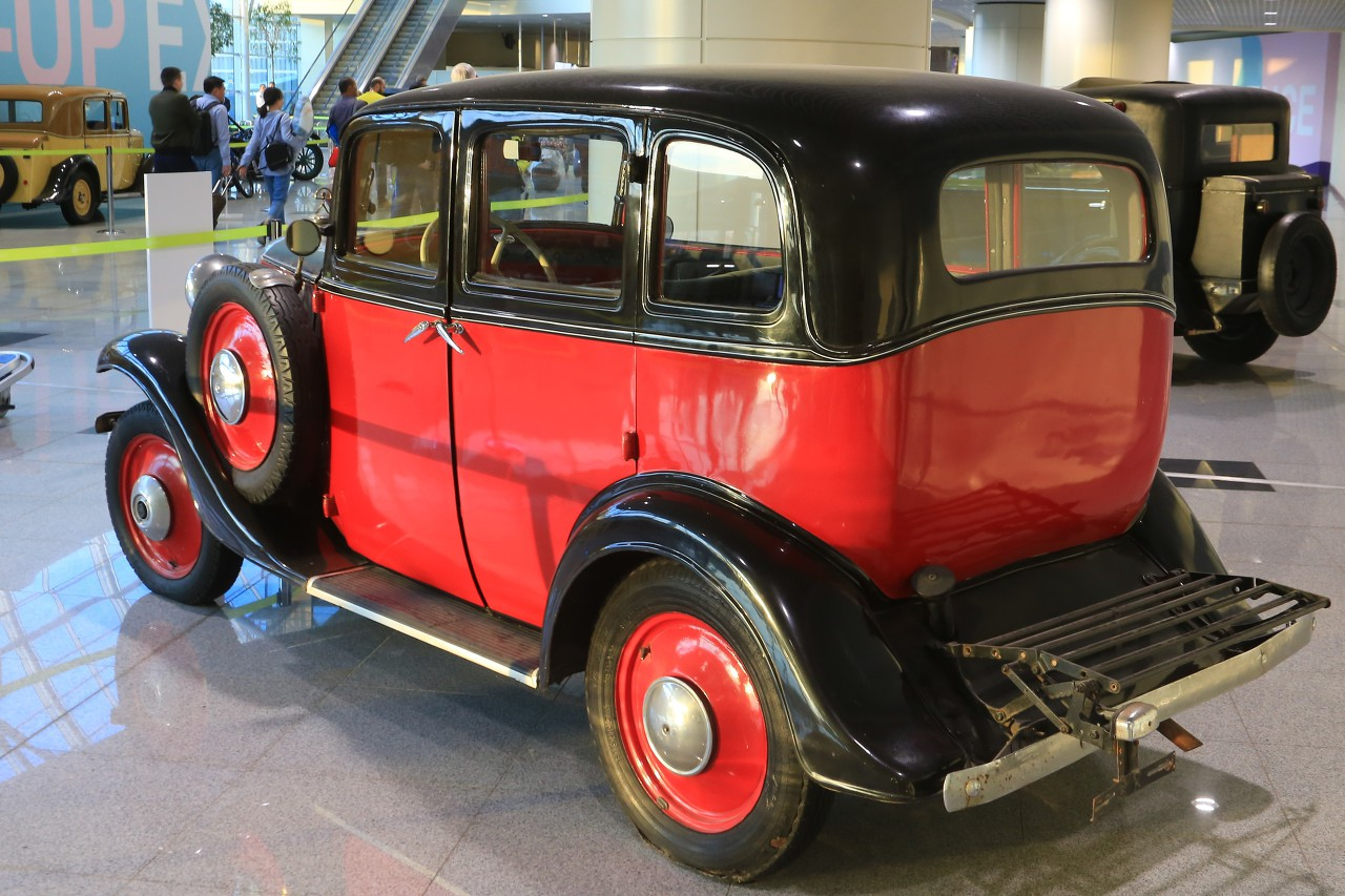 Oldtimers exhibition in Domodedovo airport, Moscow